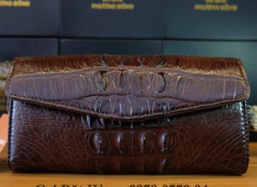 các mẫu ví tay cầm da cá sấu